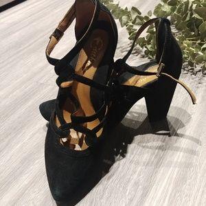 Earthies Black Suede Heels